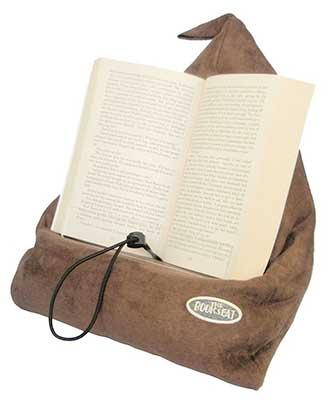 book-holder-travel-pillow